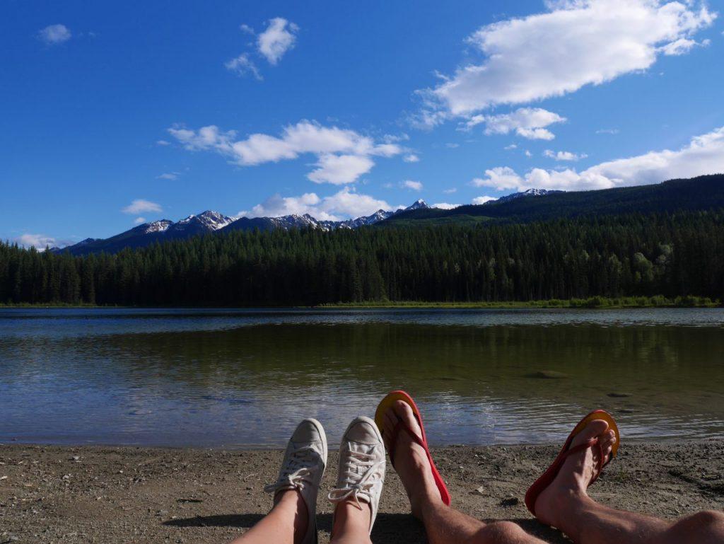 Camping de Cedar Lake près de Golden Canada