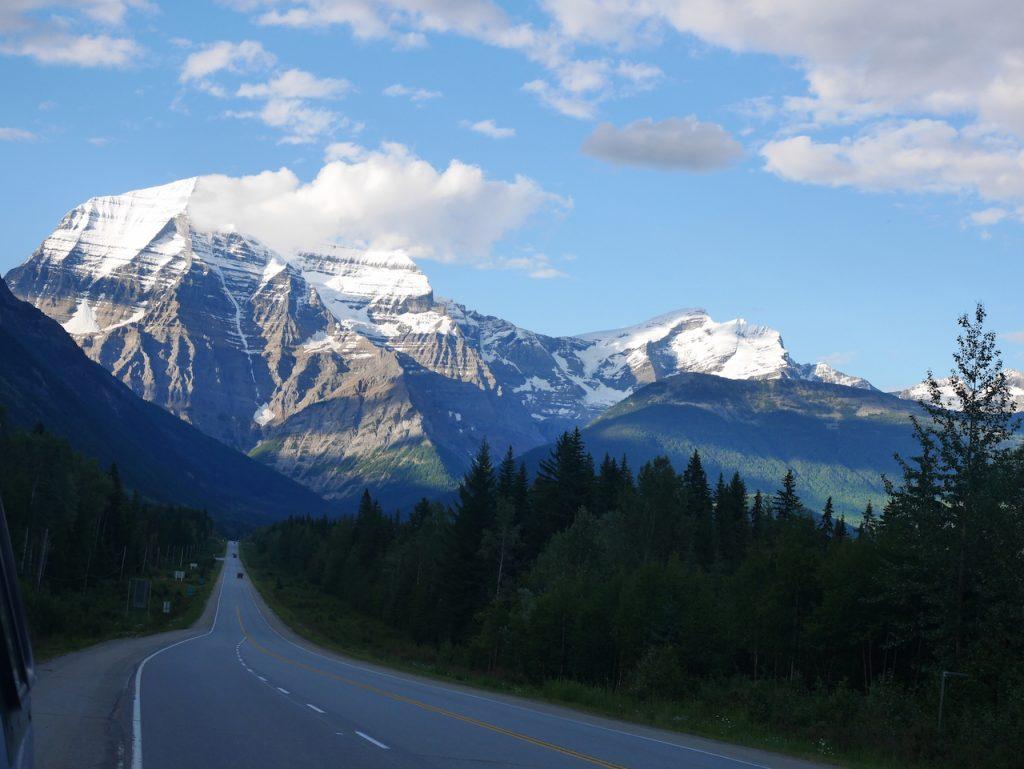 Le Mont Robson vue de la route