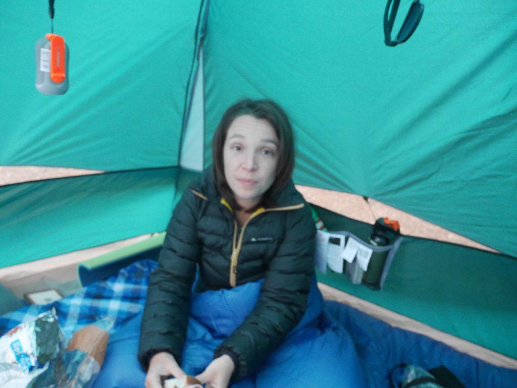 Aurélie dans sa tente