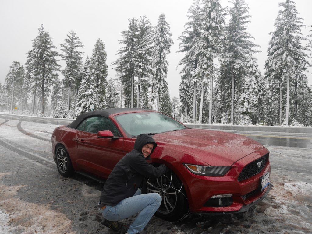 chaînes sur la Mustang