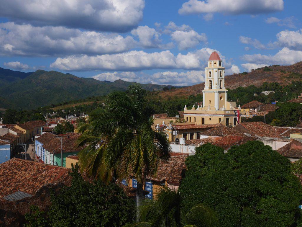Trinidad, très jolie, très très touristique aussi. Le Walt Disney Cubain