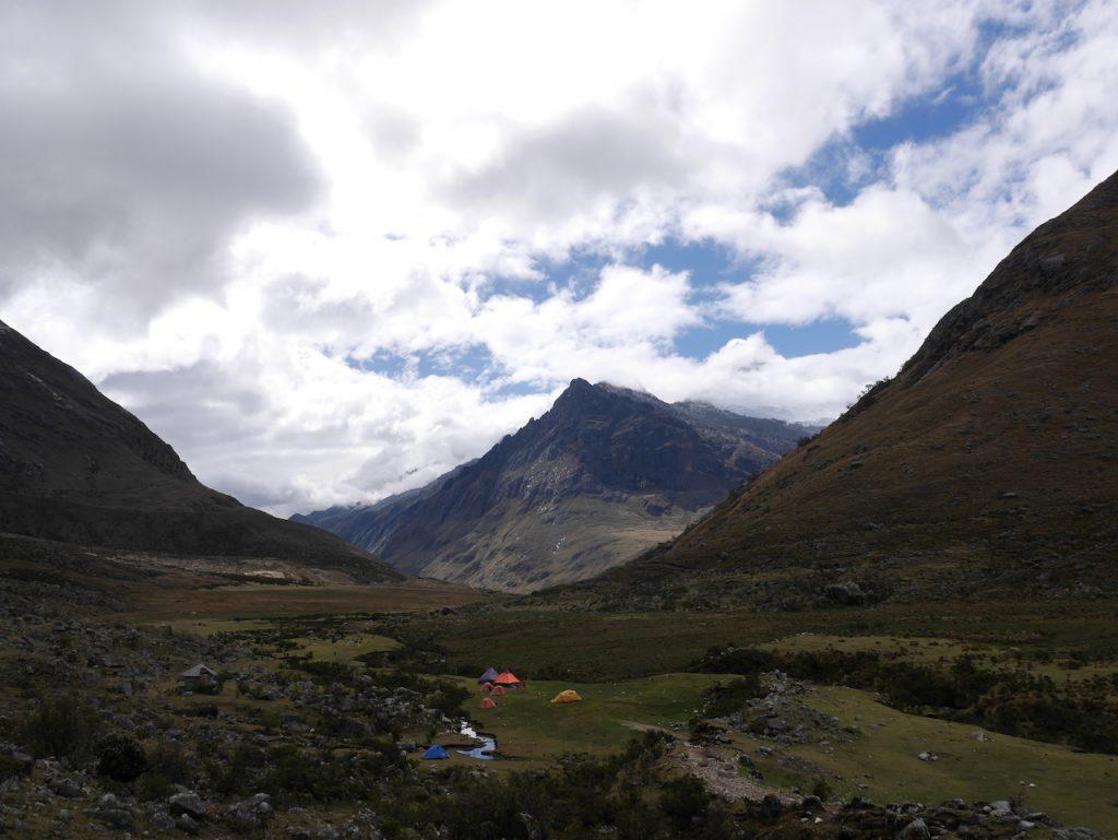 Hors saison, nos tentes sont les seules dans la vallée !