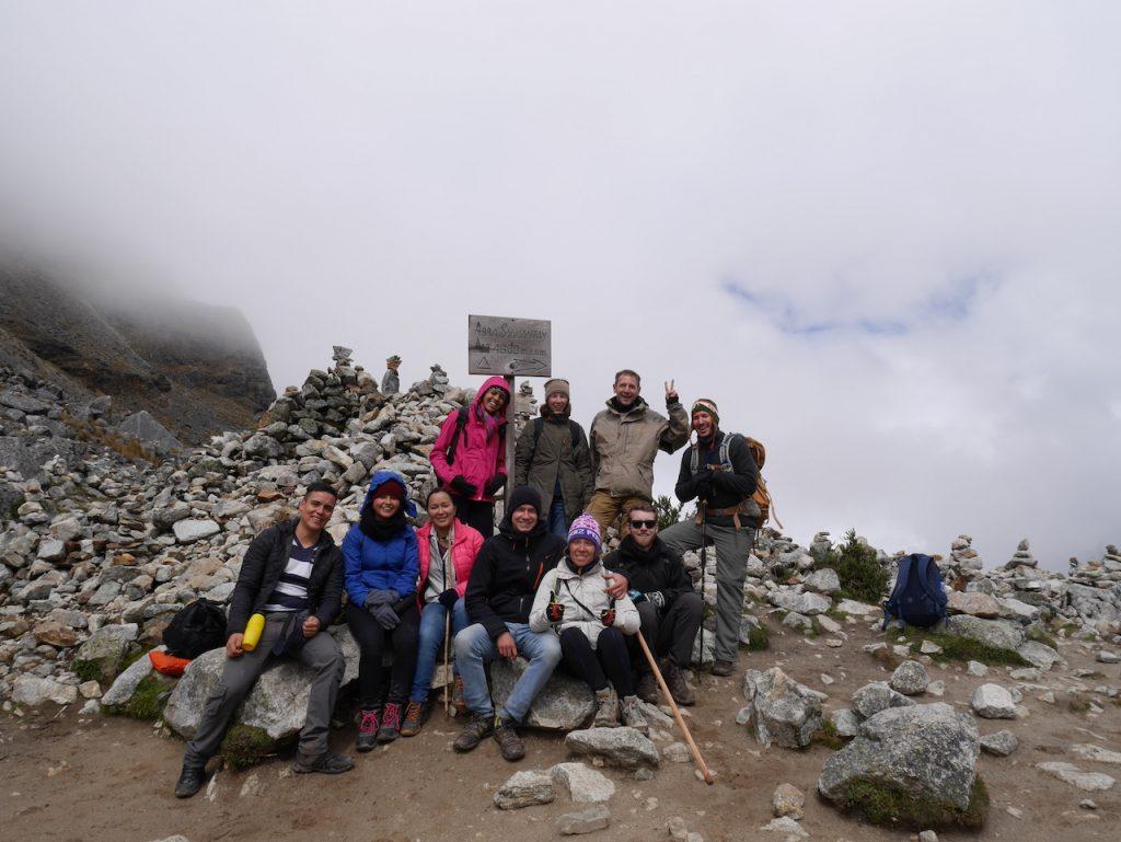 Faut pas zoomer sur la photo : à 4650 mètres d'altitude, Aurélie gonfle !