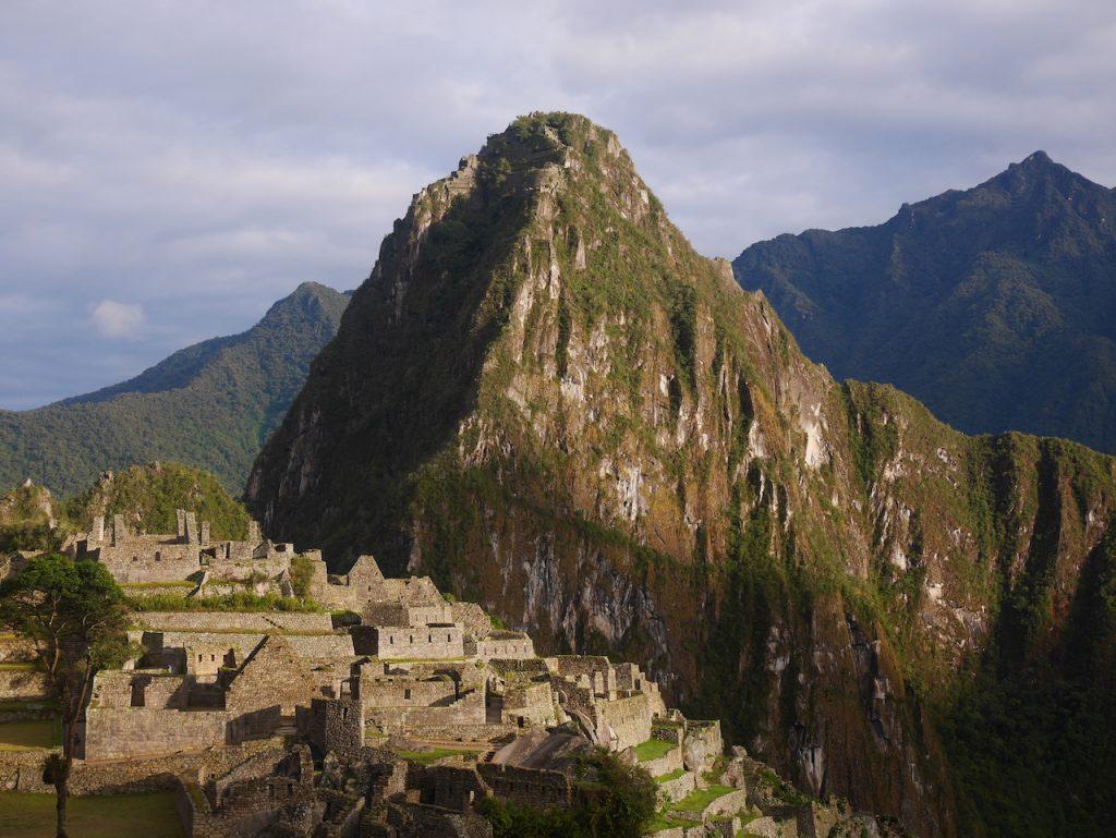 Le soleil se lève sur le Machu Picchu. Vale la pena !
