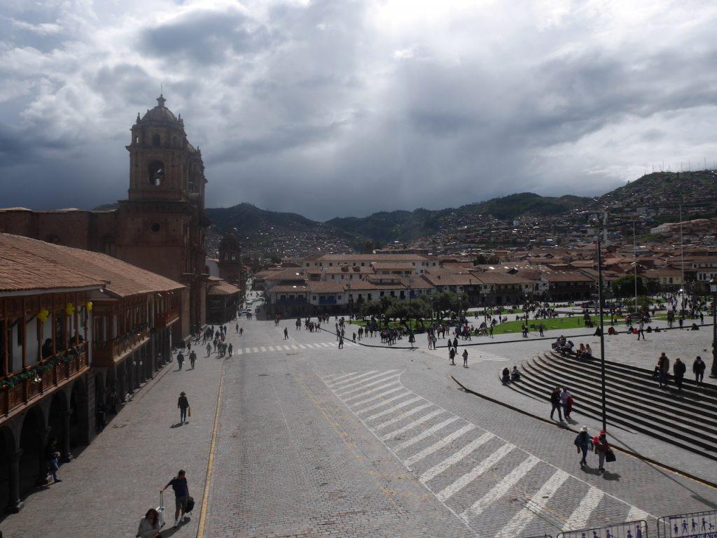 La place des armes de Cuzco est entièrement piétonne