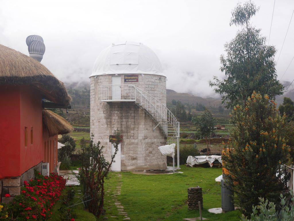Le mec a installé un observatoire dans son jardin