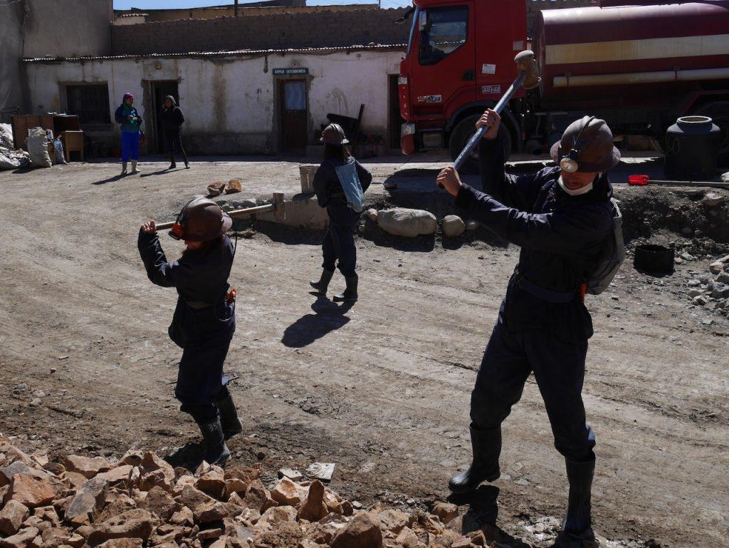 Travail dans les mines de Potosi