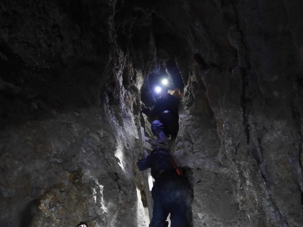 Escalade dans les mines de Potosi