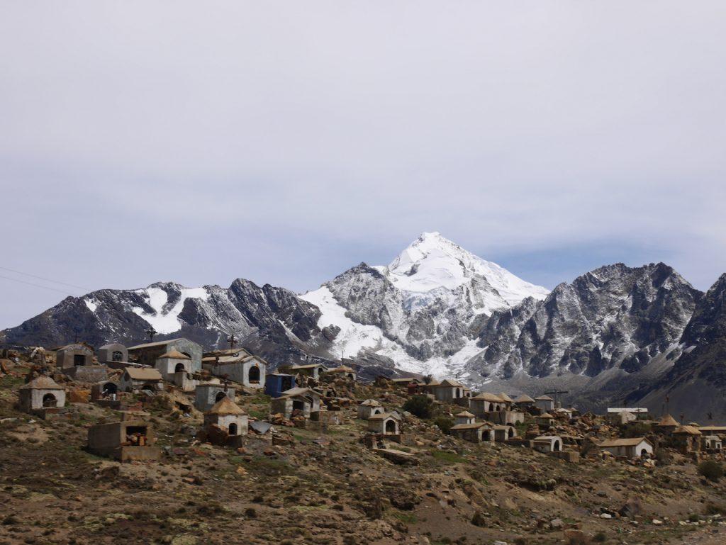 Cimetière de mineurs au pied du Huayna Potosi