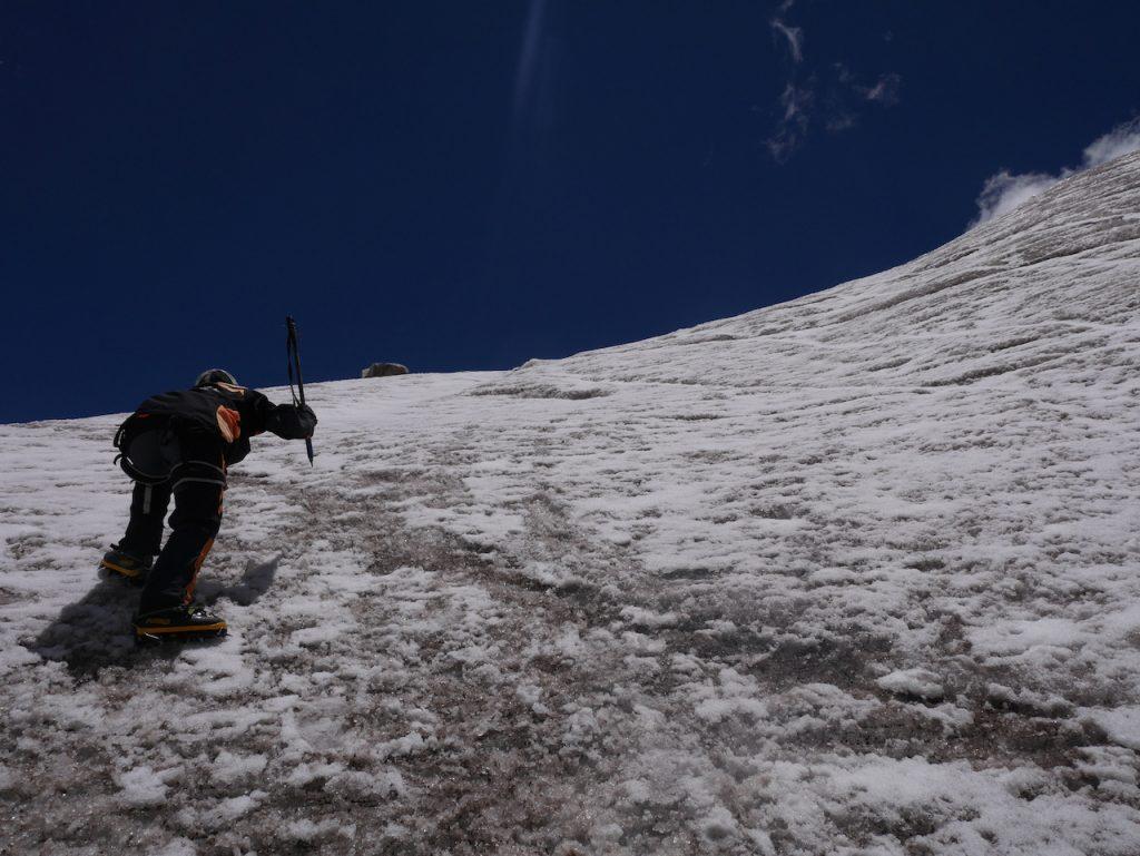 Aurélie à l'assaut du glacier. Huayna Potosi