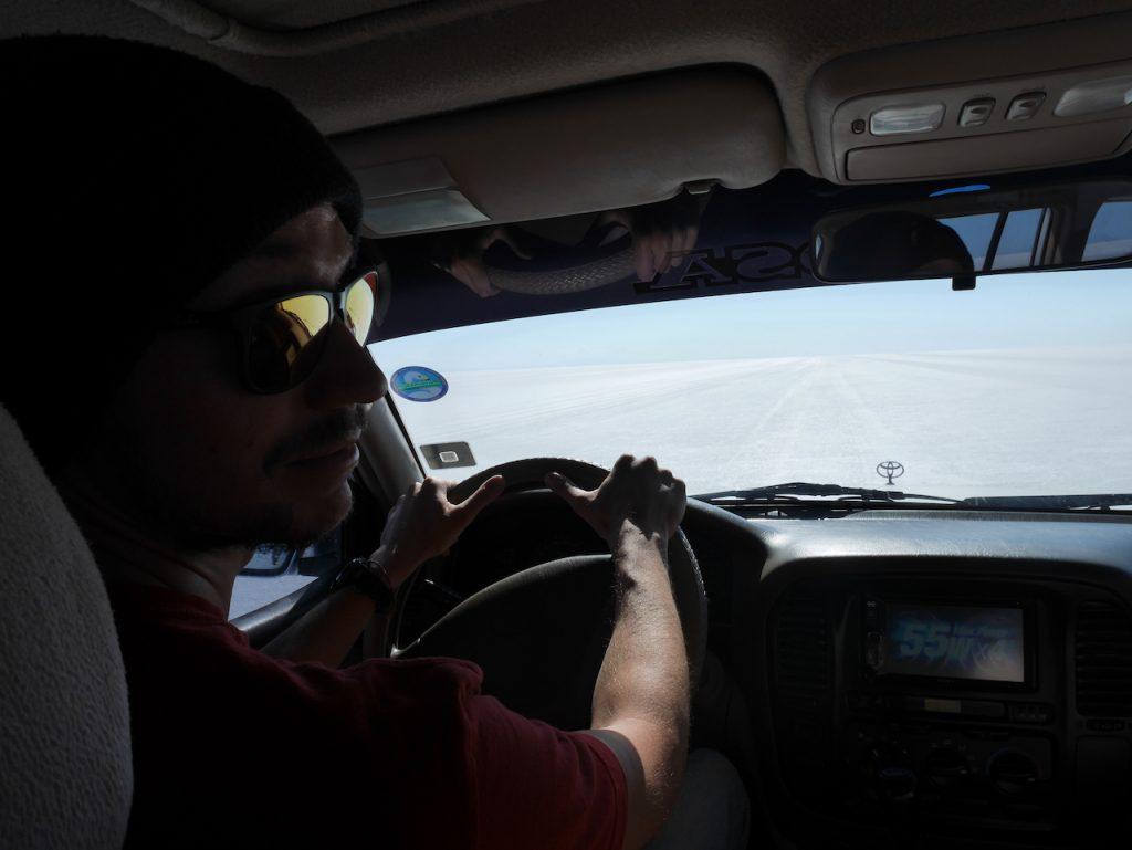 Conduire dans le Salar