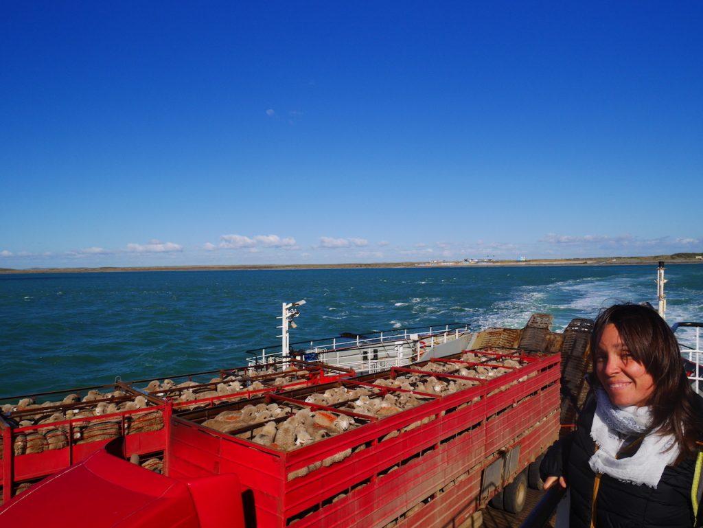 Ferry pour quitter la Terre de Feu